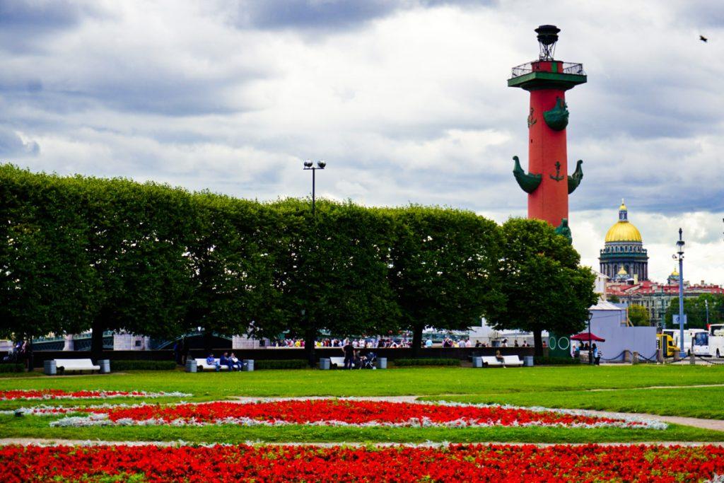 Rostral Columns, Saint Petersburg – Experiencing the Globe