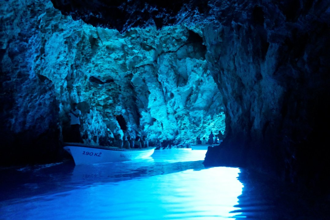 Blue cave, Croatia – Experiencing the Globe