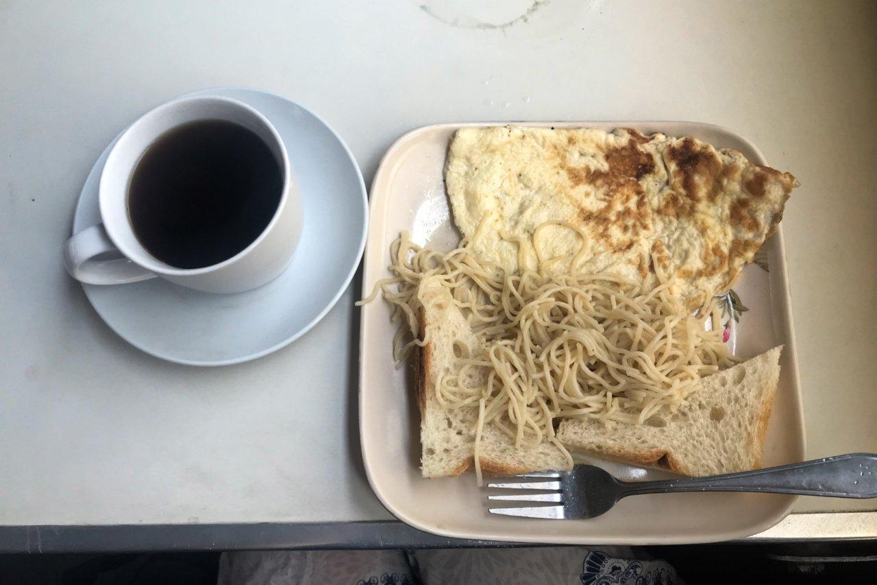 Breakfast 'feast', Central Line train, Kigoma to Dar es Salaam, Tanzania - Experiencing the Globe