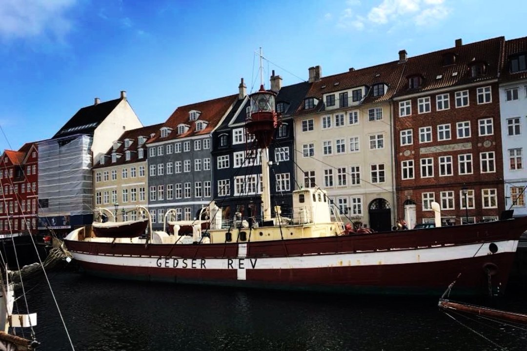 Copenhagen - Robe Trotting