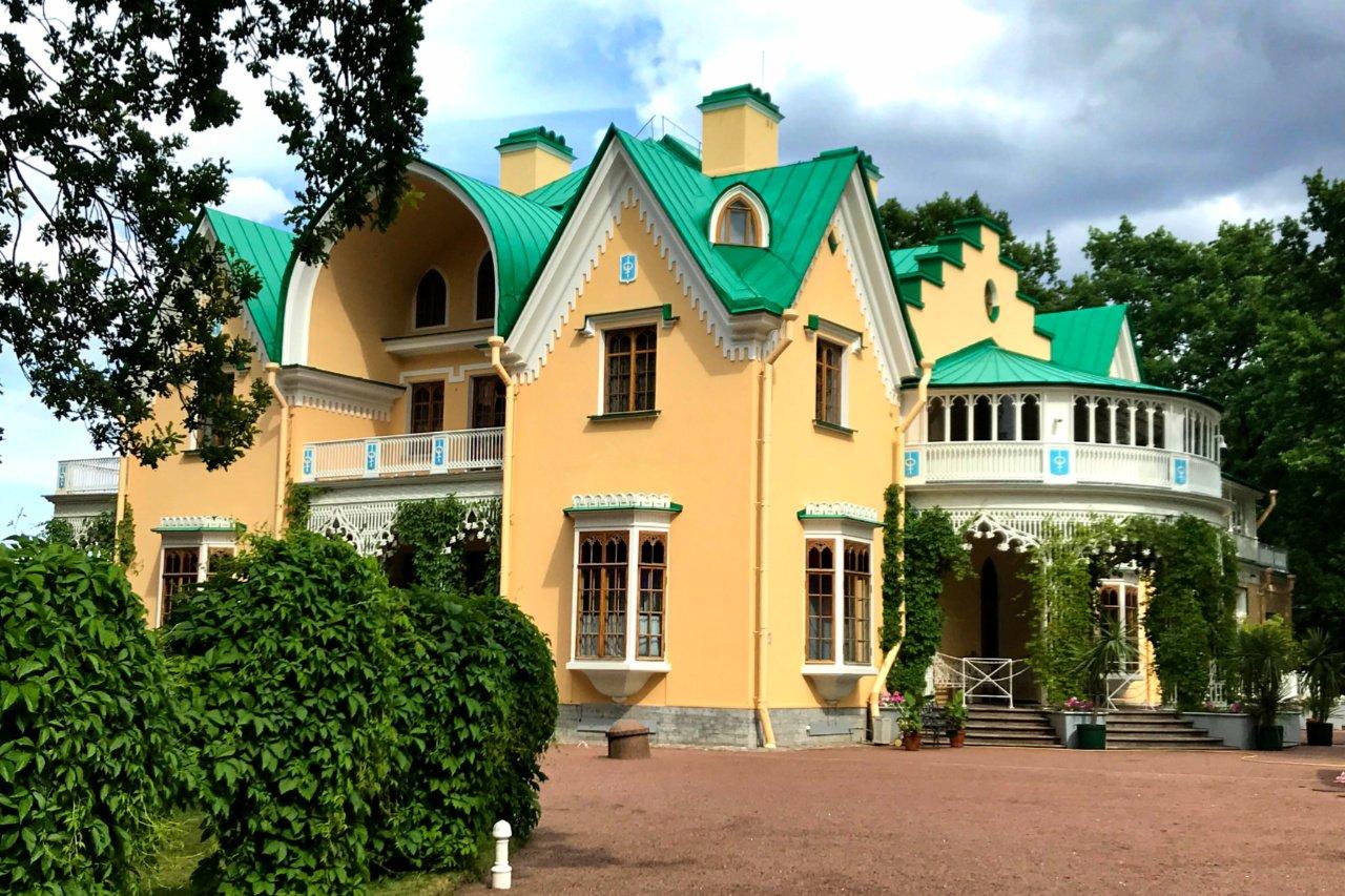 Cottage, Alexandria Park, Peterhof, Russia