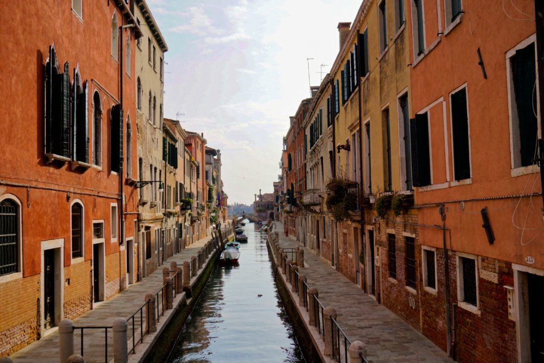 Empty alleyways, Venice, Italy – Experiencing the Globe