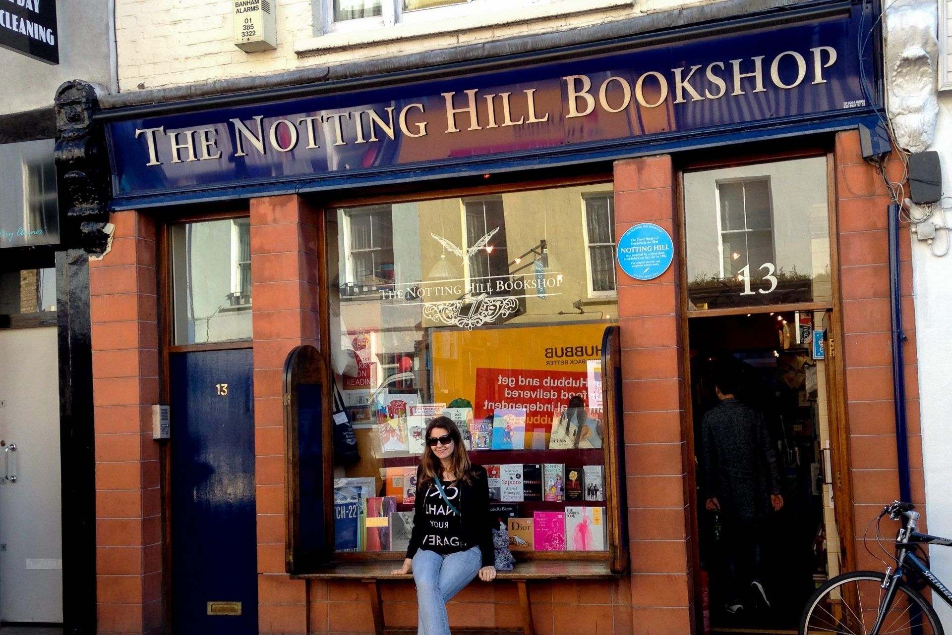 Travel bookstore Notting Hill London - Experiencing the Globe