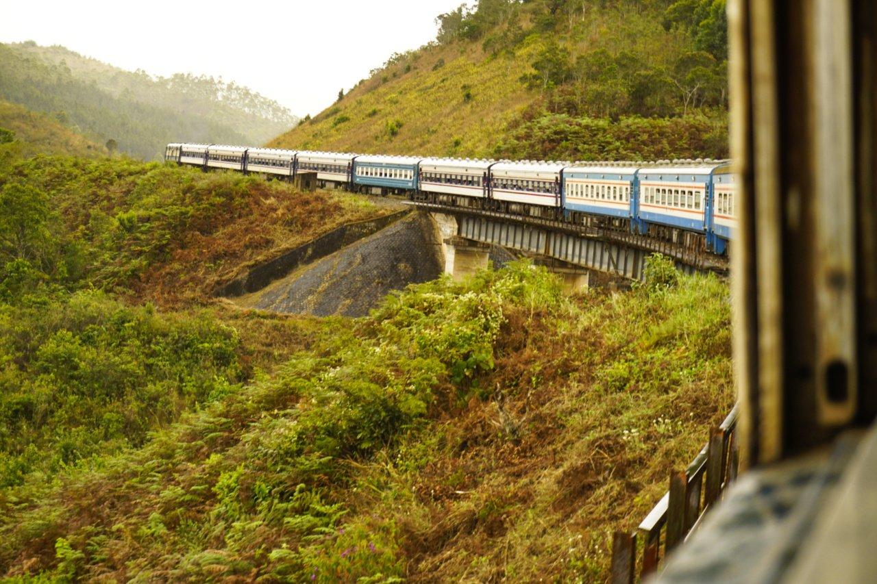 Watching the world pass by my window, Tazara train, Dar es Salaam to Mbeya, Tanzania - Experiencing the Globe