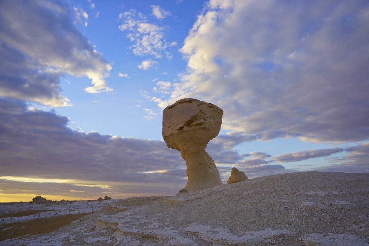 White Desert, Egypt - Experiencing the Globe